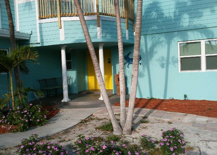 5 Bedroom 4 Bath Canal Front Home Sleeps 12. (28 day min. rental) #4