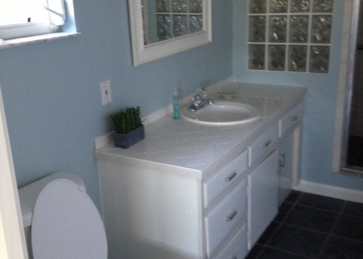 5 Bedroom 4 Bath Canal Front Home Sleeps 12. (28 day min. rental) #14