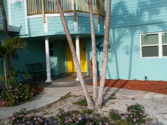 5 Bedroom 4 Bath Canal Front Home Sleeps 12. (28 day min. rental) #1