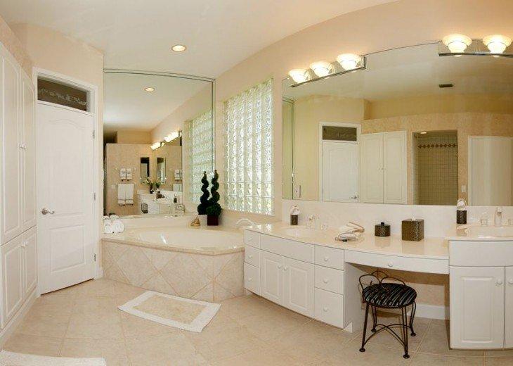 Gulf Access Villa Cinderella #16