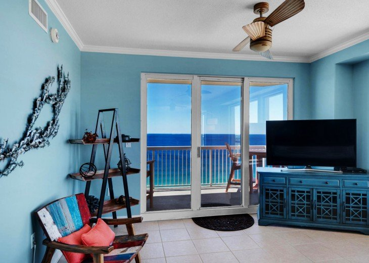 July Dates Available~ Beach Service and Wifi FREE ~ Million Dollar View #14
