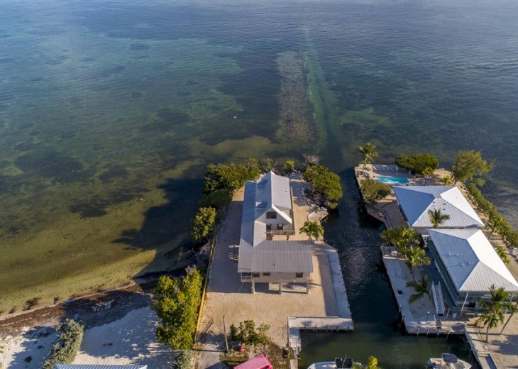 PARADISEPOINT- SMACK OCEANFRONT, POOL, 30' DOCK, EASY BAY ACCESS #35