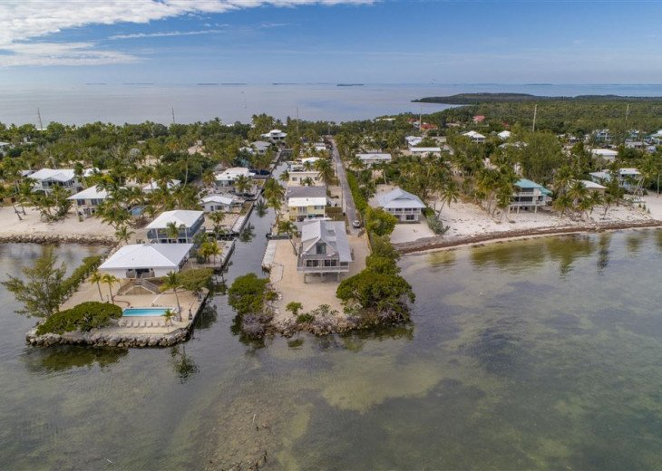 PARADISEPOINT- SMACK OCEANFRONT, POOL, 30' DOCK, EASY BAY ACCESS #34