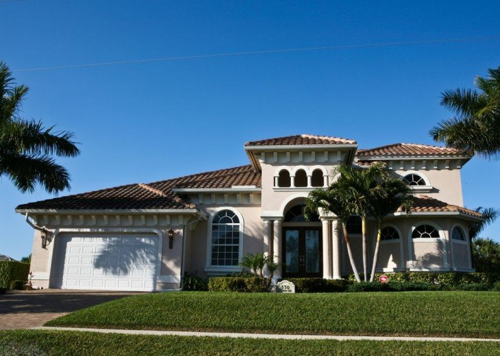 Luxurious 4 Bedroom 4 Bath Waterfront Home - Wide Canal - Southwest Exposure #1