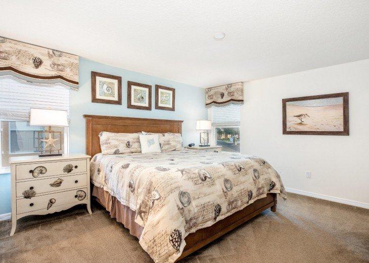 Master Suite 2 - King Bed, TV and En-suite Bathroom