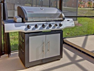 Complimentary gas grill BBQ for guests to enjoy