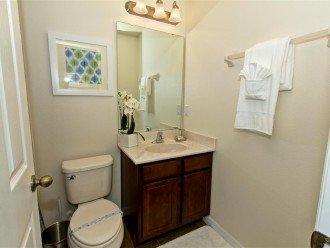 Master Suite 3 - En-suite Bathroom