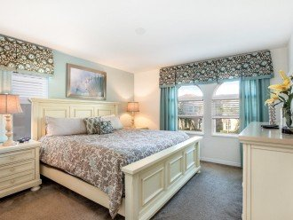 Master Suite with King Bed and ensuite bathroom