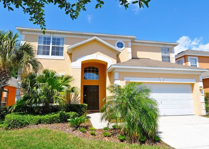 Spacious 6 bed vacation home in Kissimmee; Ideal for visiting Disney, Orlando