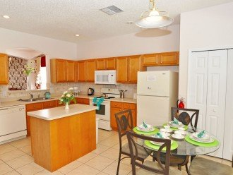 Fully equipped kitchen with breakfast table seating 4