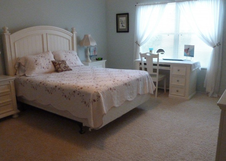 Attractive and centrally located in heart of The Villages #2