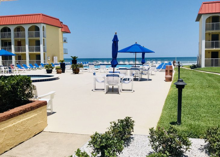 BOOK NOW FOR SUMMER BEST ON THE BEACH BEAUTIFULLY REMODELED OCEANFRONT 5* CONDO #43
