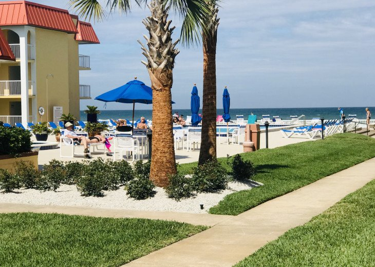BOOK NOW FOR SUMMER BEST ON THE BEACH BEAUTIFULLY REMODELED OCEANFRONT 5* CONDO #8