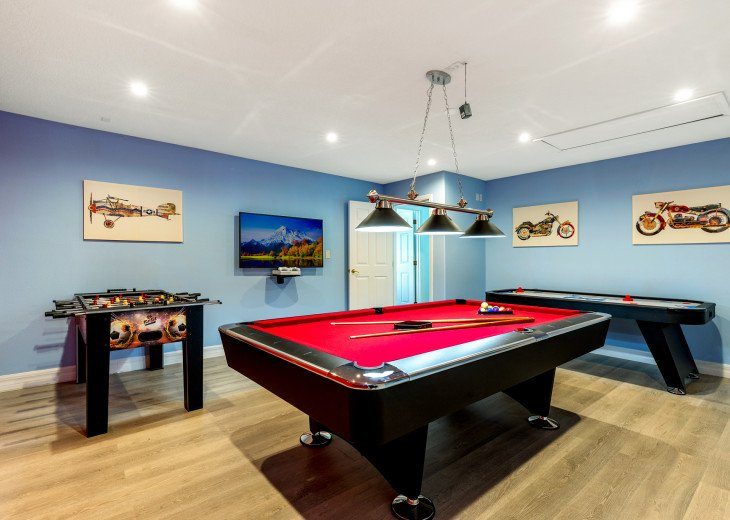 Lakeview Retreat, luxury villa, large pool, game room and cookout area #33
