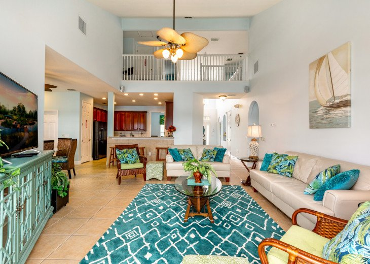Lakeview Retreat, luxury villa, large pool, game room and cookout area #10