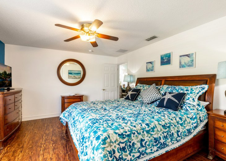 Lakeview Retreat, luxury villa, large pool, game room and cookout area #24