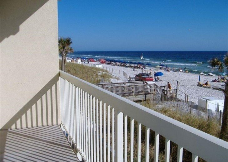 Beachfront. Sleeps 6. Low Floor. Great View. Winter Months Available @ $100 Off! #15