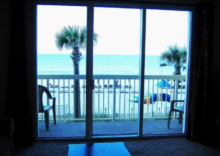 Beachfront. Sleeps 6. Low Floor. Great View. Winter Months Available @ $100 Off! #23