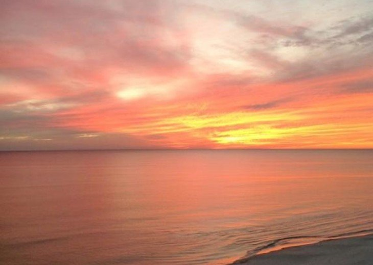 Beachfront 3 BR 2 BA. Sleeps 8. Great View! July Weeks Available @ $100/wk Off! #17