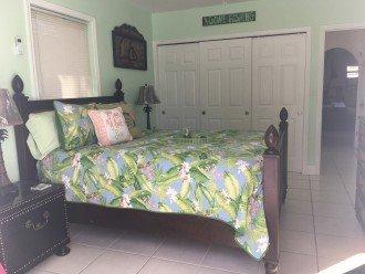 Green room W/Queen bed