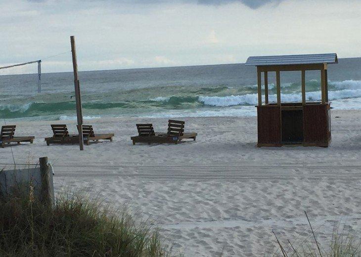 LIFES AN BEACH