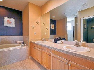 MASTER BATH WITH DUAL VANITY .