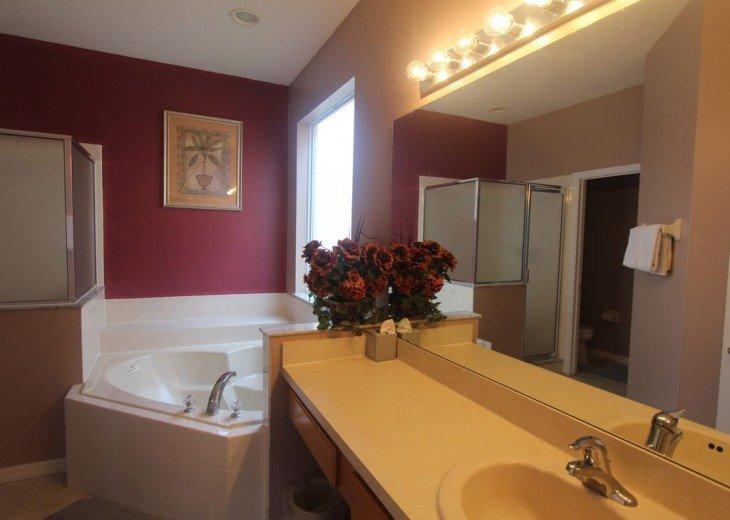 Master Suite Bath room 1F