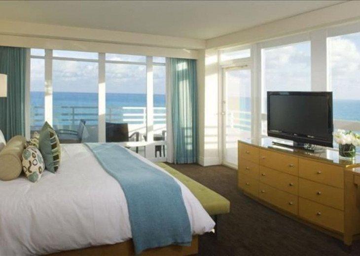 Jr. Suite #1 with Panoramic Ocean Views #9