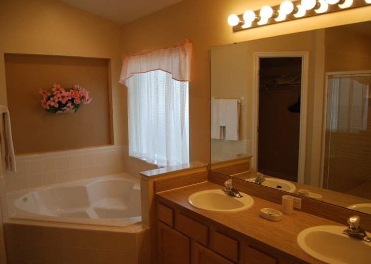 LUXURY VACATION RENTAL POOL VILLA near DISNEY by the Owners #11