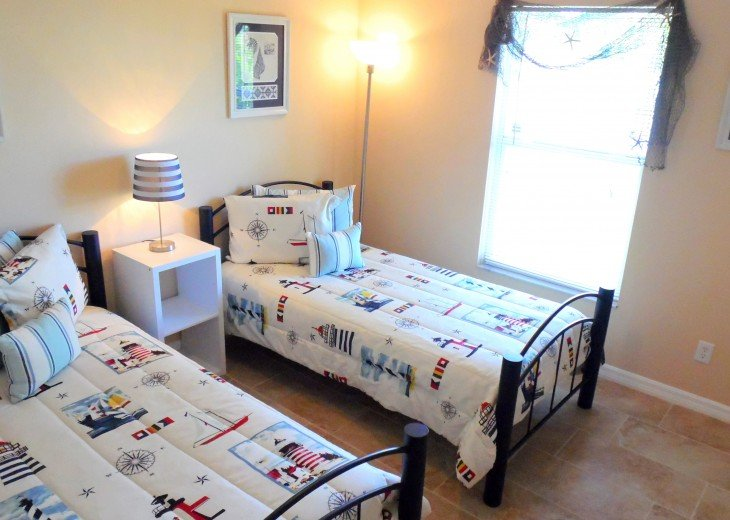 Villa Florida Vacation - Last Minute Prices in August -Lake front with Pool #32