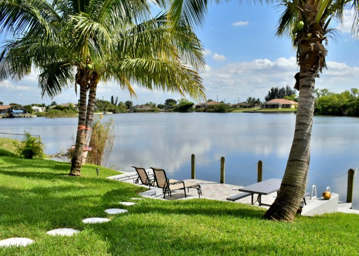 Villa Florida Vacation - Last Minute Prices in August -Lake front with Pool #13
