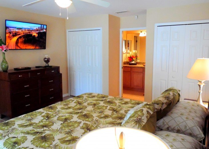 Villa Florida Vacation - Last Minute Prices in August -Lake front with Pool #27