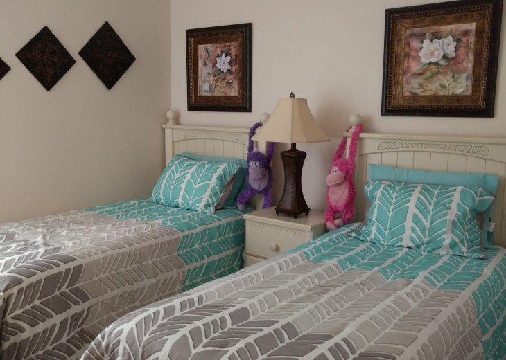Becky's beautiful 5/3 Vaction Rental Pool Home Games Room free Wi -Fi #4