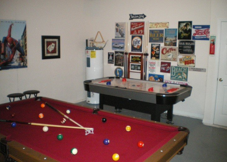 Becky's beautiful 5/3 Vaction Rental Pool Home Games Room free Wi -Fi #9