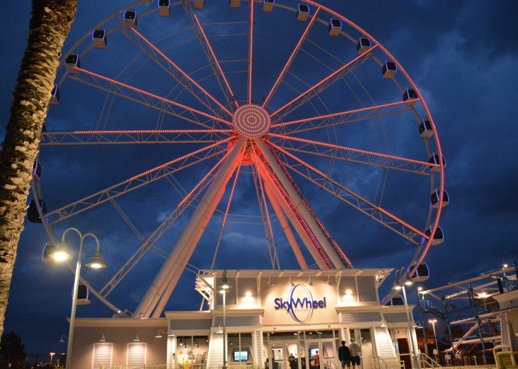 Take a ride on the Skywheel at Pier Park!