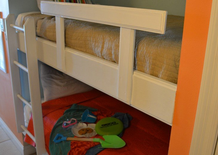 Two bunk beds to accommodate the kiddos or young adults.