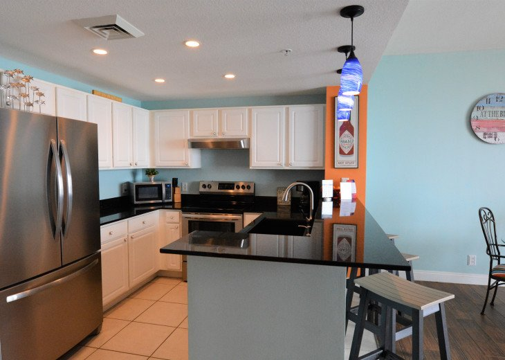 New stainless steel appliances throughout!