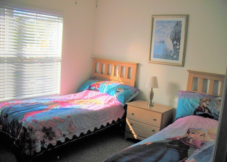 The other set of twin beds