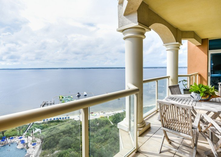 """Book May 27-June 3*An entire island view in """"Bella Vista"""" in Tower 2 #23"""