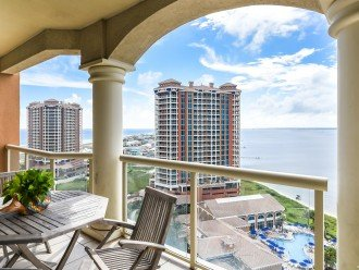 """Book May 27-June 3*An entire island view in """"Bella Vista"""" in Tower 2 #1"""