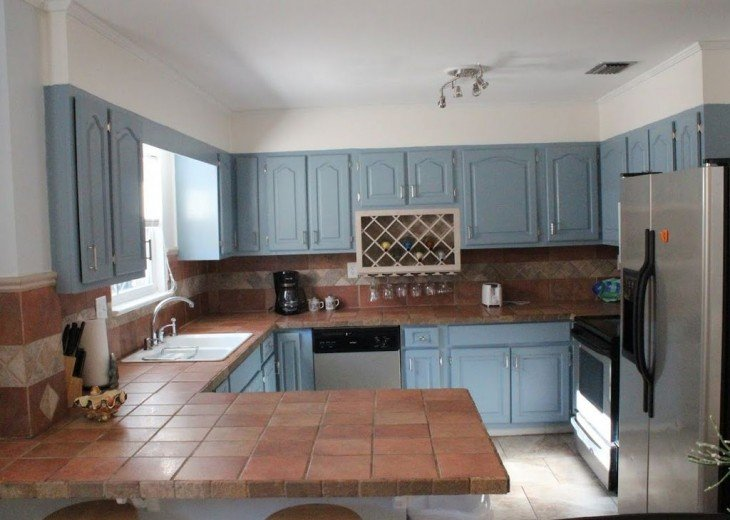 Newly Remodeled Private House w/pool, 200 ft from Beach! WiFi Screened Fla Room #13