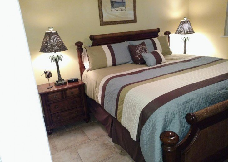 Newly Remodeled Private House w/pool, 200 ft from Beach! WiFi Screened Fla Room #11