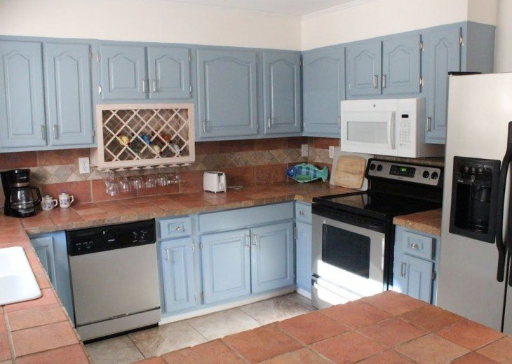 Newly Remodeled Private House w/pool, 200 ft from Beach! WiFi Screened Fla Room #9