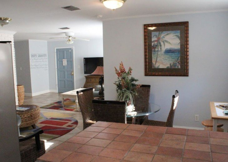 Newly Remodeled Private House w/pool, 200 ft from Beach! WiFi Screened Fla Room #8