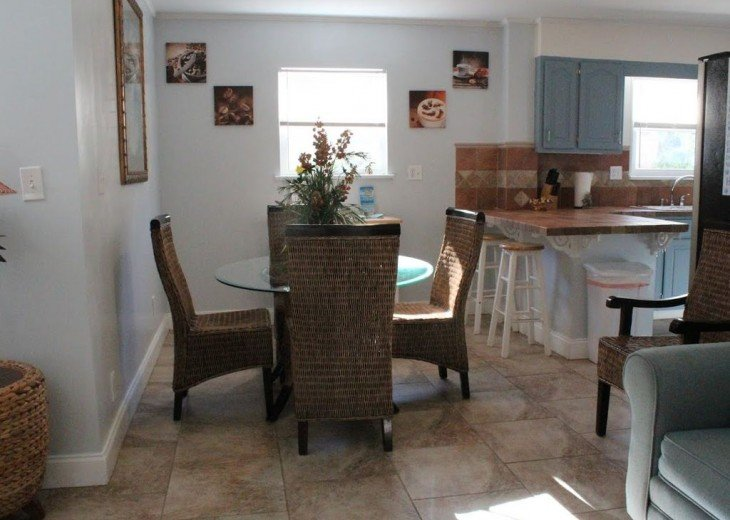 Newly Remodeled Private House w/pool, 200 ft from Beach! WiFi Screened Fla Room #10