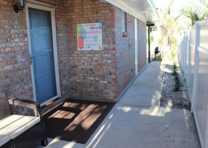 Newly Remodeled Private House w/pool, 200 ft from Beach! WiFi Screened Fla Room #5