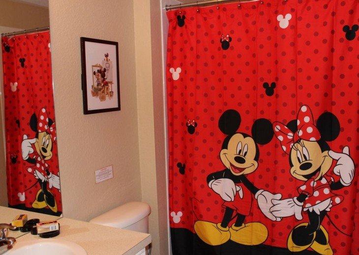 Kids Bedroom tub and shower