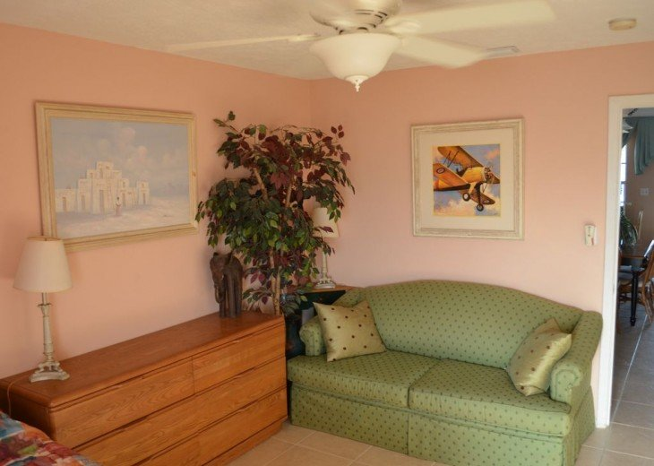 3BR + Den / 2BA Beachfront Getaway With Romantic and Eclectic Charm - Sleeps 8 #23