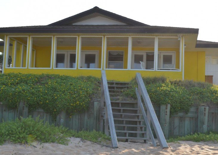 3BR + Den / 2BA Beachfront Getaway With Romantic and Eclectic Charm - Sleeps 8 #5