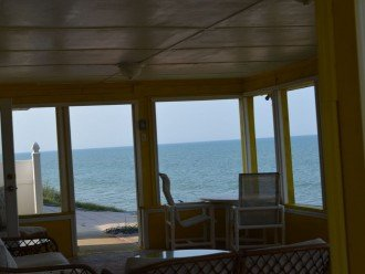 3BR + Den / 2BA Beachfront Getaway With Romantic and Eclectic Charm - Sleeps 8 #1